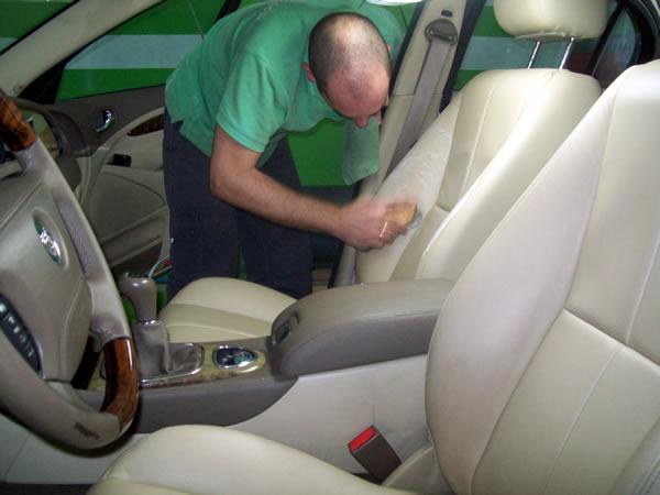 Mas que limpio lavadero alicante 966 37 09 97 en la c for Tapiceria para coches en zaragoza